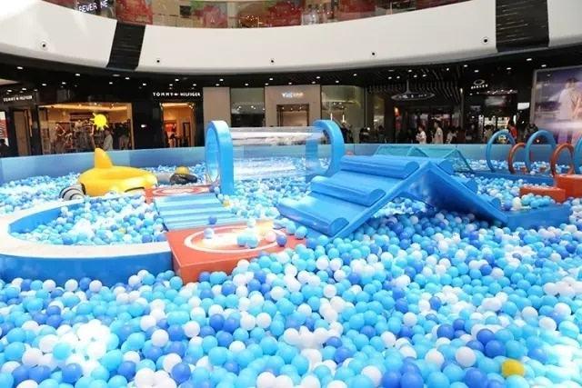 商圈室内百万海洋球