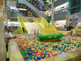 湖南滑梯主题彩色海洋球